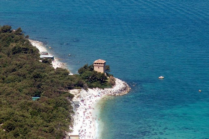 Hike discovering the Portonovo ring with a local guide