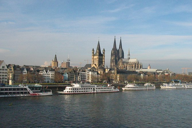 Old town walk in a small group through Cologne