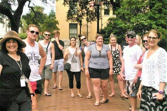 Guided Sightseeing & History Walking Tour of Savannah
