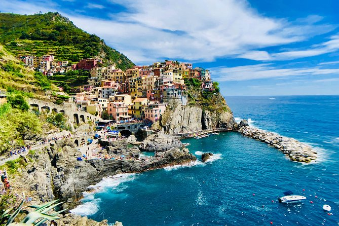 Private tour of Cinque Terre by boat with aperitif on board