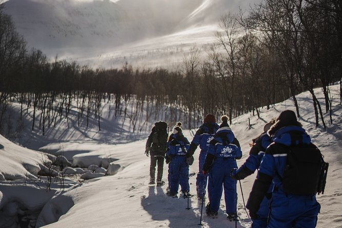 Wilderness skills on Snowshoe & Ice Domes Guided Tour