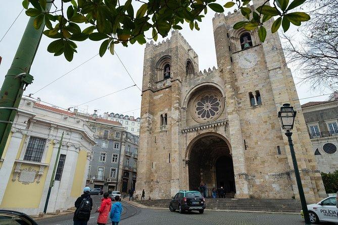 Lisbon Alfama Private Tour: Mystery Exploration Game