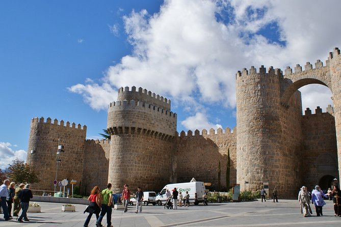 Private day tour to Avila and Salamanca from Madrid with Hotel pick up