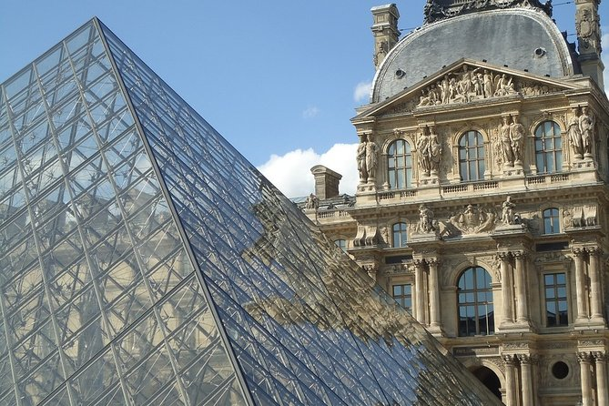 Paris First Time Private Guided Tour with Louvre Ticket & Seine River Cruise