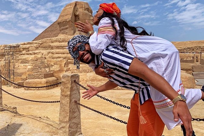 Half-day Private Tour to Giza Pyramids with Camel Ride