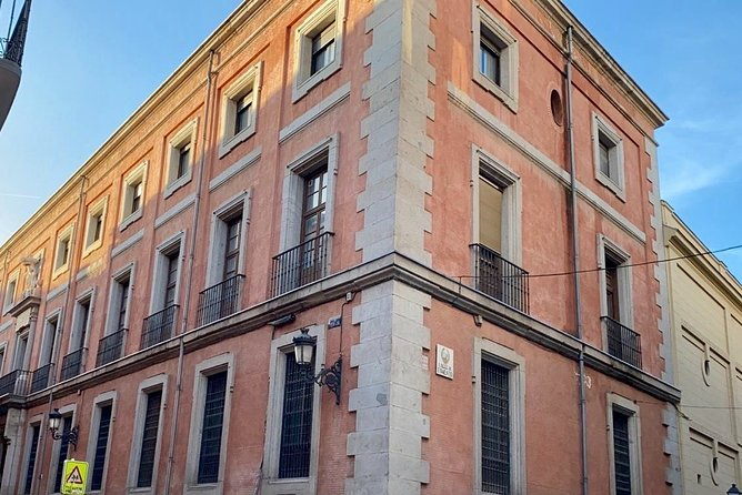 Madrid Private Tour: Fun Old Town Exploration Game