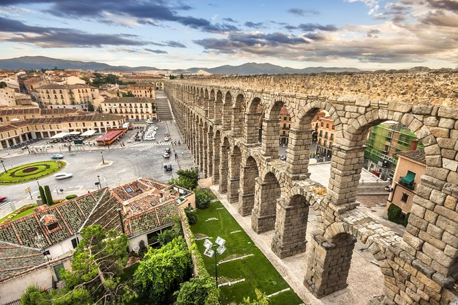 PRIVATE and Exclusive Full Day Tour to Segovia and Avila from Madrid with Lunch