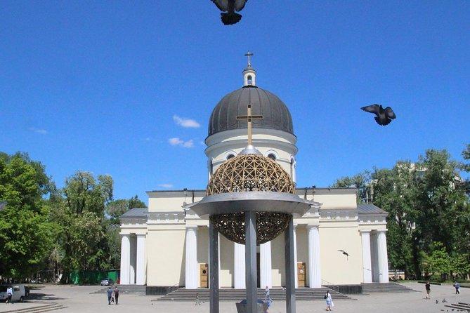 Romantic tour in Chisinau