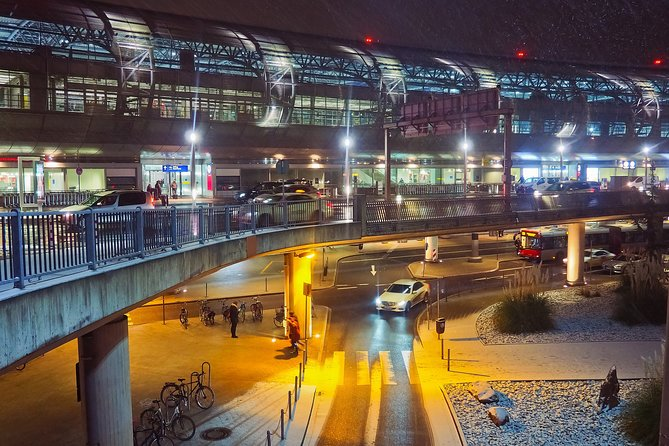Private Transfer from Accommodation in Vienna to Vienna Airport