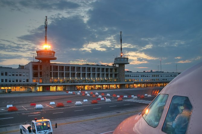 Private arrival OR departure transfer in Budapest (hotel OR airport pick-up)