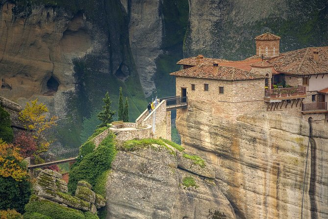 3 Day Tour at the Monasteries of Meteora, Delphi & visit to Plastira Lake
