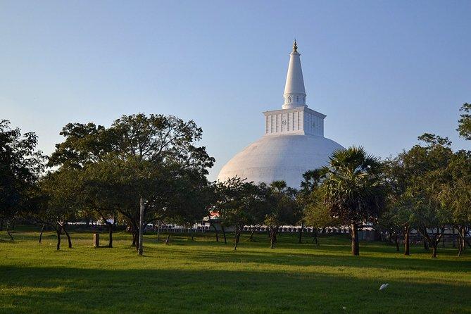 14-nights/15-days Sri Lanka round tour by Minivan - with Nilaveli Beach