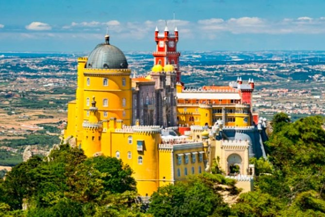 Explore the beauty of Sintra in 1 or 2 days, including Lisbon