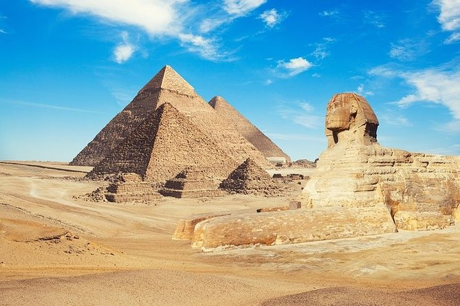 Full-Day Private Tour to Giza Pyramids, Memphis and Saqqara