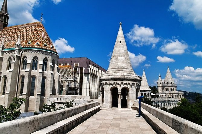 Full day Private Budapest city tour with lunch and Parliament interior visit