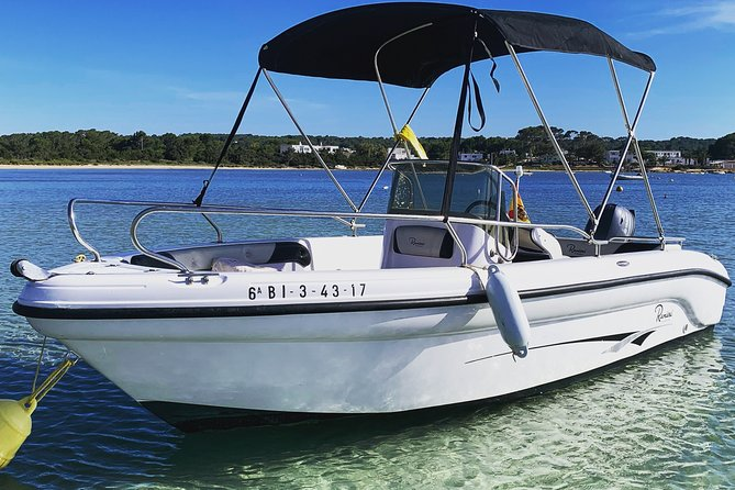 Boat rental in Formentera. Requires nautical qualification