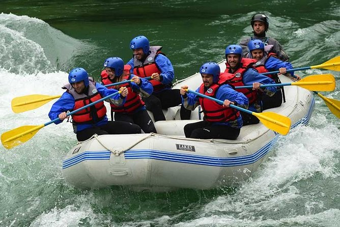 Bariloche: Classic rafting for the whole family full day