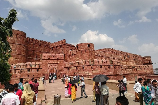 Full Day Agra Local Tour With Shopping