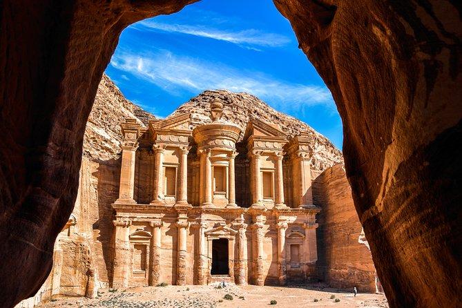 2夜のヨルダンの宝石プライベートツアー:アンマンのペトラ、ワディラム、アカバ