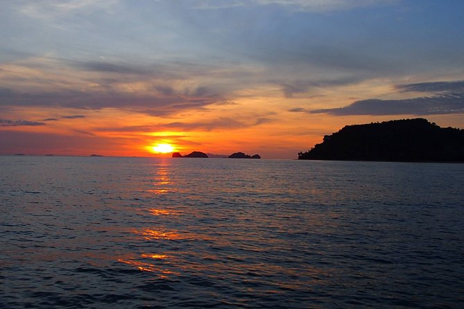 Koh Tan Snorkeling Sunset Tour by Big Longtail Boat From Koh Samui
