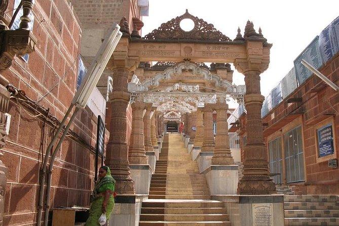 From Jodhpur: Osian Trip with Guide & Camel Safari