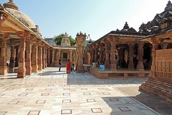 Private Tour to Osian Temples from Jodhpur with Camel Ride