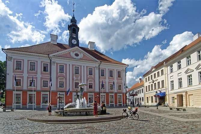 "Guided tour ""Love stories of Tartu"""