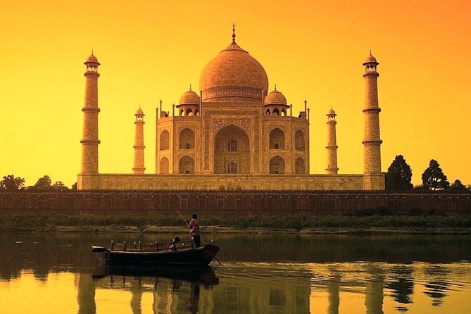 Full-Day Guided Tour to Agra by Fast Train with Lunch