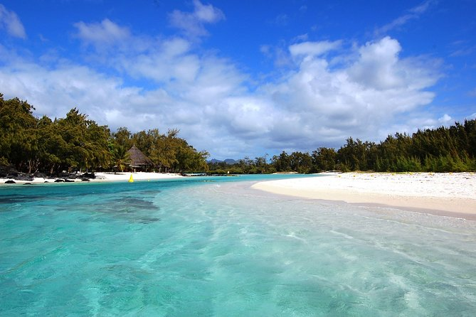 Full-Day at Ile Aux Cerf by Speed Boat with Lunch