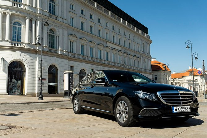 Luxury transport from/to Warsaw - Vilnius / International Airport by private car