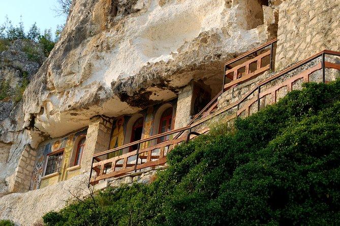 Bulgaria in 1 day - Veliko Tarnovo , Village of Arbanasi and Basarbovo Monastery