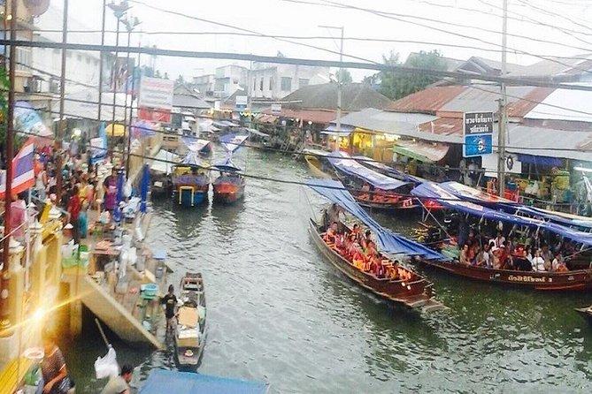 Private Amphawa Floating Market & Maeklong Railway Market Fireflies Day Tour