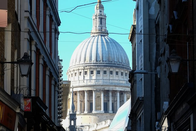 London's Historic Areas And Hidden Secrets - A Very Small Group Tour