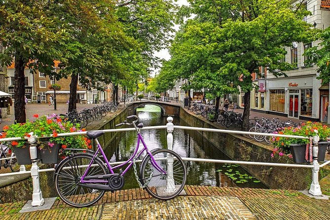 Romantic Private Tour in Delft