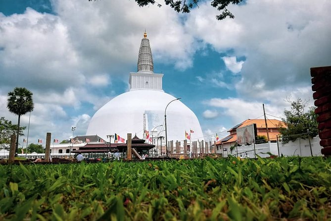 Private Day Tour to the Sacred City of Anuradhapura