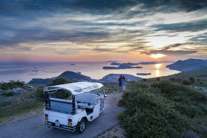 E-Tuk Tuk Sunset Tour to Mount Srd