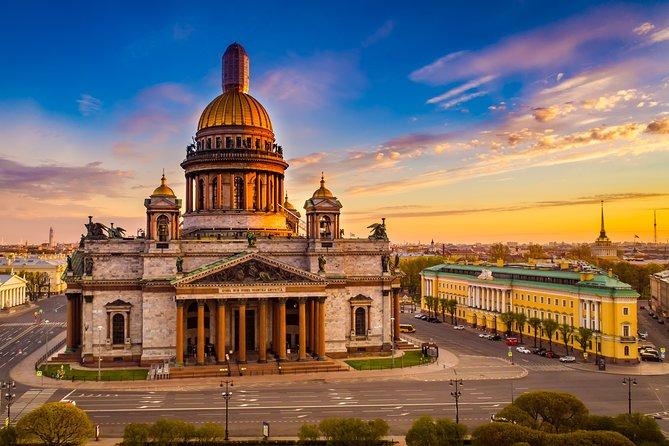 St. Petersburg Private Visa-Free Shore City Highlights with Hermitage & Faberge