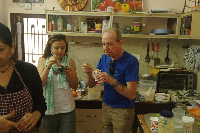Private Vegetarian Indian Cooking Class in Agra