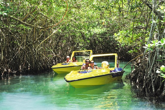 Speedboat adventure in cancun waters