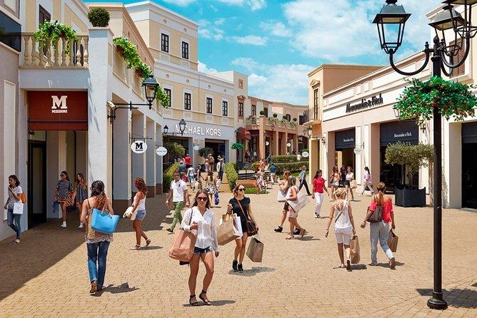 Shoppingtour Sicilia Outlet Village