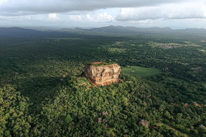 Full Day Private Tour to Sigiriya and Dambulla