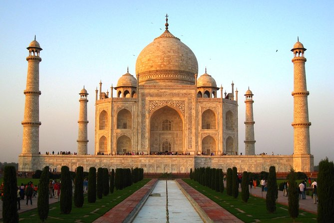 Private Day Tour of Tajmahal from Delhi including Fatehpur Sikri