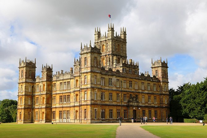 Private Downton Abbey Tour, including Bampton, Cogges Farm, and Highclere