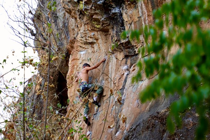 Climbing and Rappelling Course in Valle de Bravo