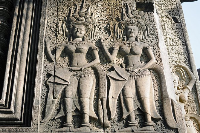 Vishnu Statue in the West Gate of Angkor Wat