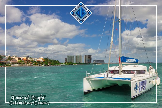 Luxury Catamaran tour to Isla Mujeres with Transportation from Cancun