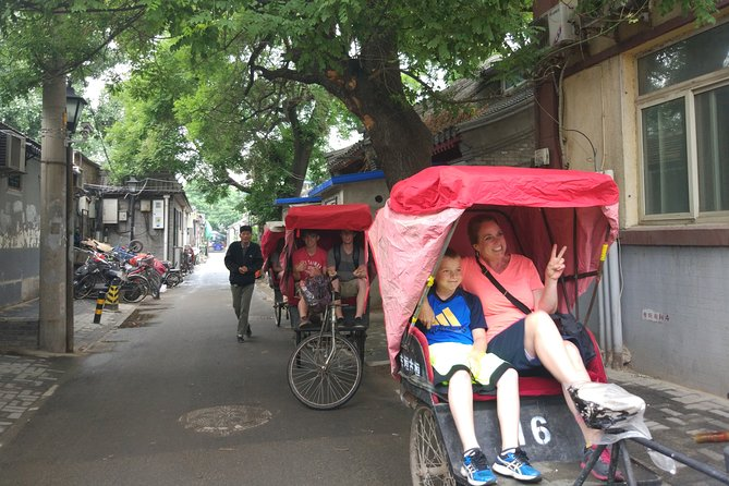 All-inclusive Tour: Mutianyu Great Wall & Hutong Rickshaw Tour with Local Lunch