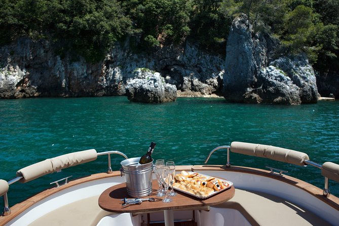 Private Day Tour by Boat to the Gulf of Poets