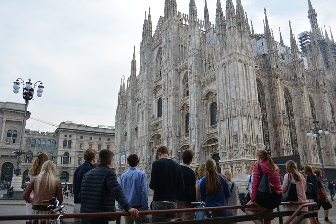 Milan: La Scala Theater and Duomo Cathedral Private Tour