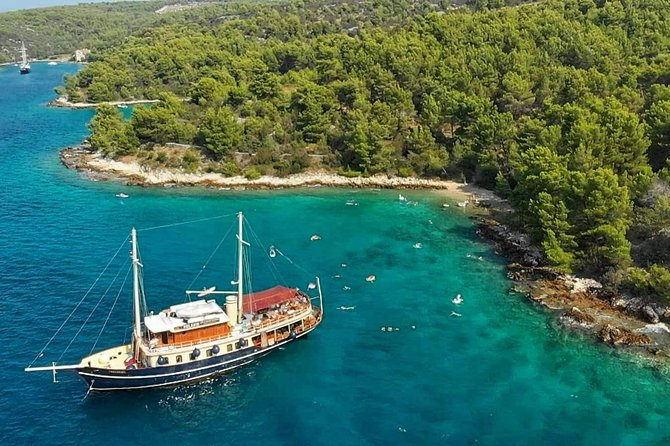 Half Day All Inclusive Cruise to Islands Brac and Solta